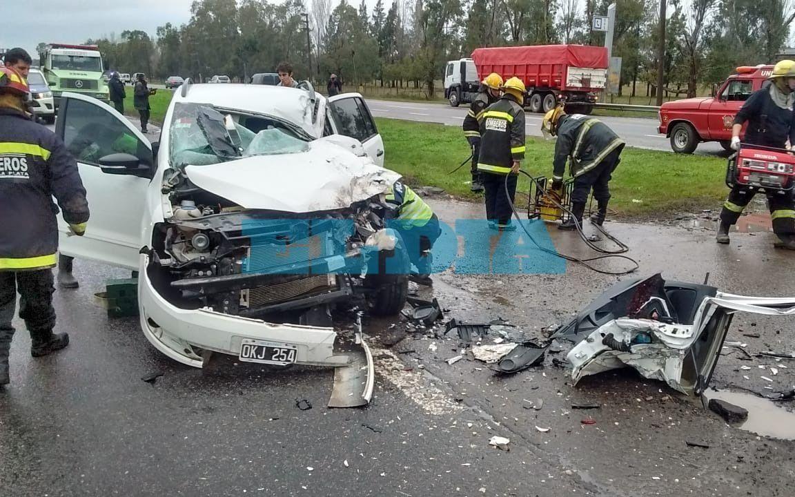Matrimonio Por Accidente : Pila: un matrimonio sufrió un accidente en la ruta 2 al chocar su