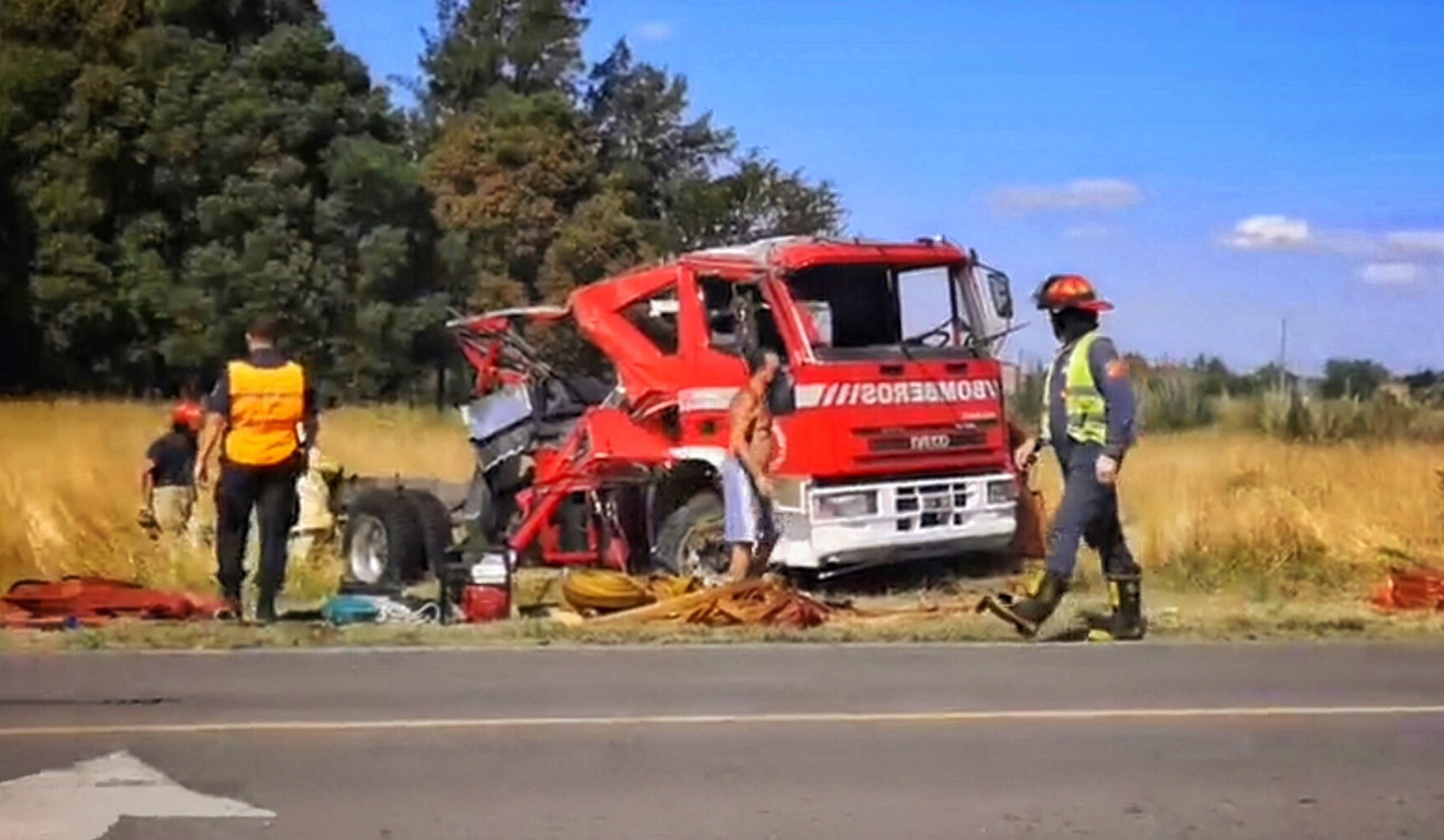 Accidente bomberos de Lobos