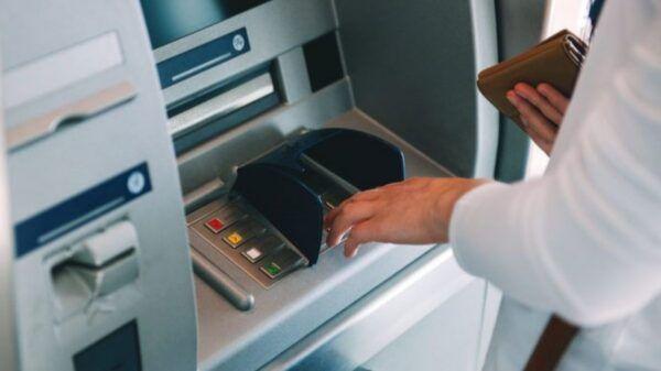 a-que-hora-depositan-bancos-sueldos